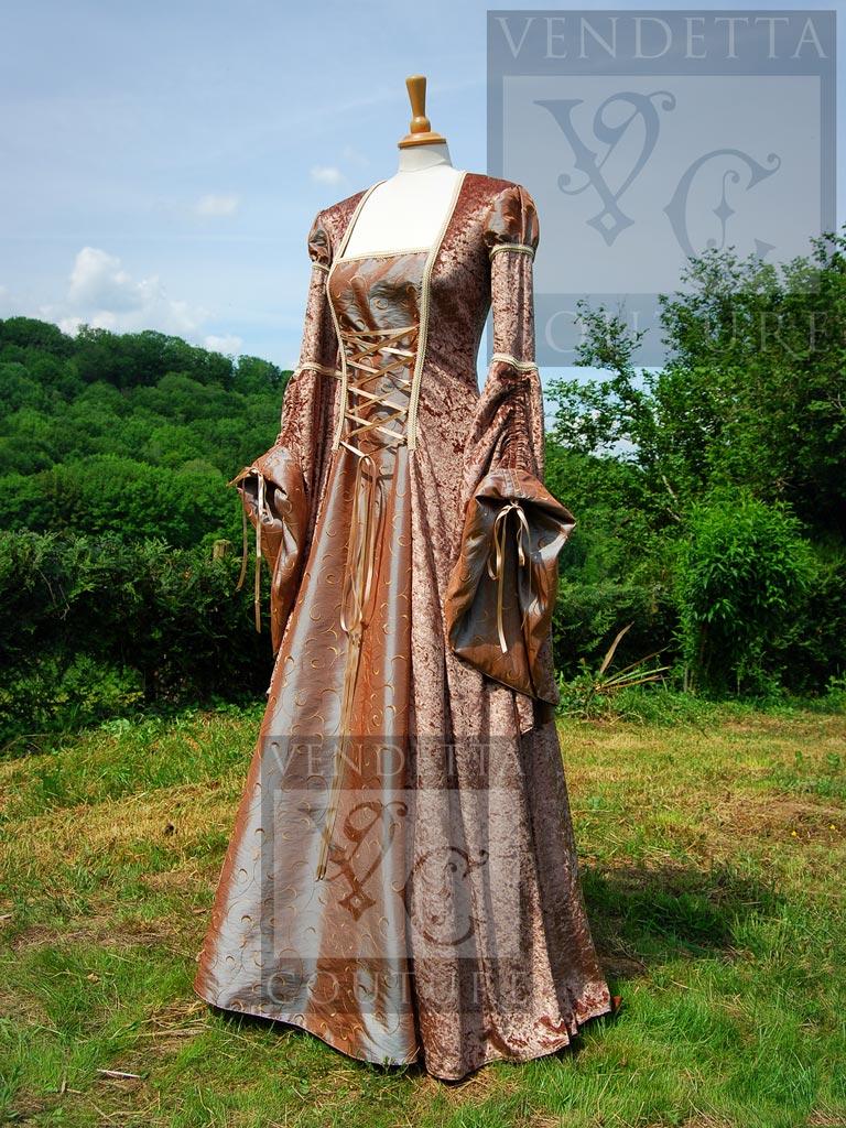 RENAISSANCE DRESSES - Dresses, gowns & wedding dresses