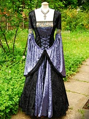 Daylily-012 Medieval style gown